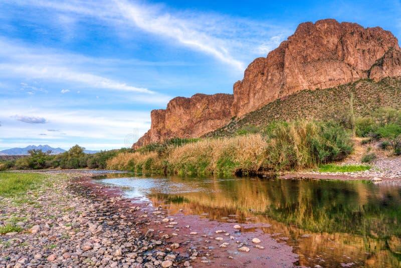 Une rivière plus à faible teneur en sel, Mesa Az photographie stock libre de droits