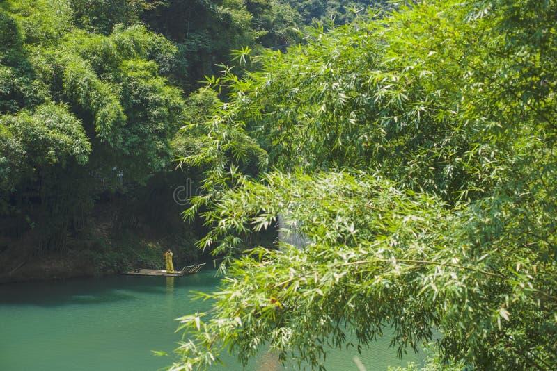 Une rivière tranquille, le paysage est agréable image stock