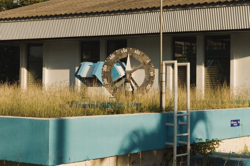 Une roue de niveau d'eau d'échelle image libre de droits