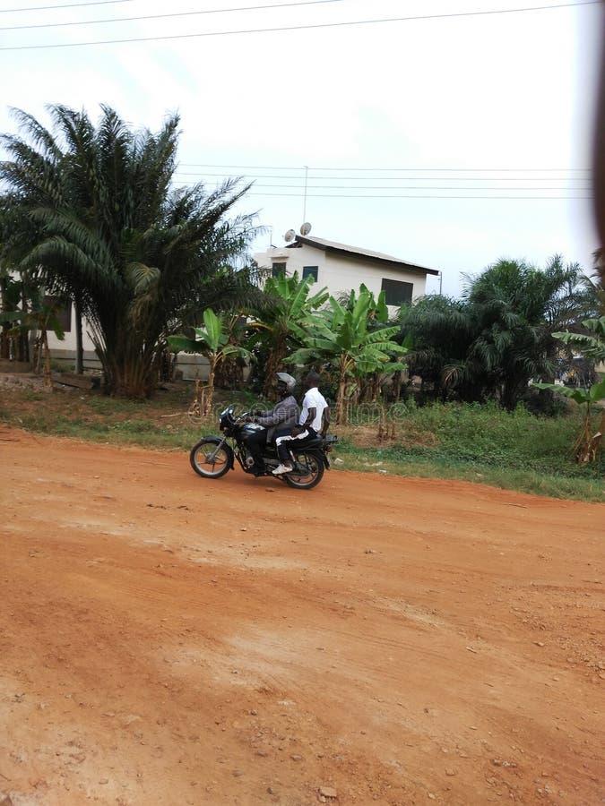 Download Une Route Naturelle De Secteur Devant Ma Maison Photo stock éditorial - Image du zone, saleté: 76089523