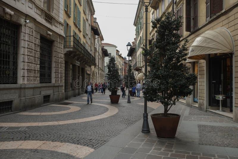Une rue au centre de la ville de Brescia, Italie photographie stock libre de droits