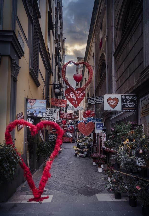 Une rue de Naples, Italie images stock