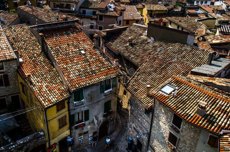 Une rue en vieille Italie photographie stock libre de droits