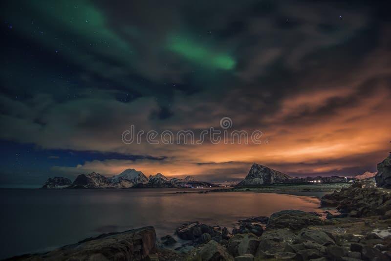 Une scène de conte de fées des îles de Lofoten image libre de droits