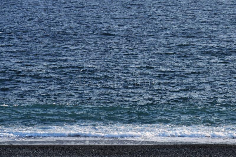 Une scène de plage d'automne photographie stock libre de droits