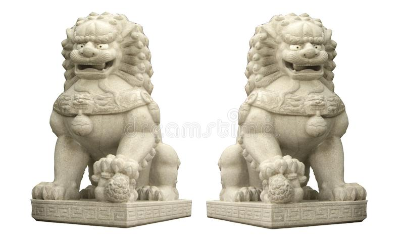 Une sculpture chinoise g?ante en pierre de lion d'isolement sur les milieux blancs images libres de droits