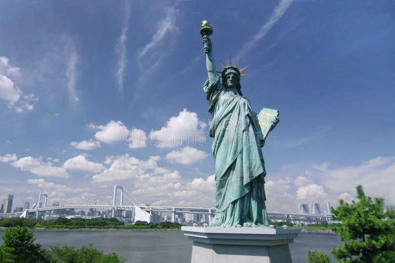 Une statue de la liberté sur l'île d'Odaiba image stock