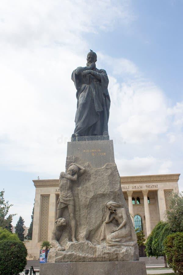 Une statue du poète Fuzuli photos stock