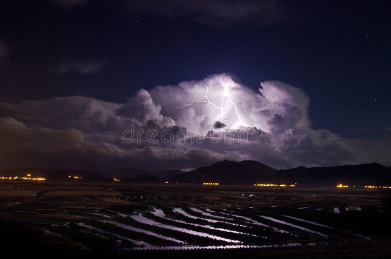 Une tempête vient photo libre de droits