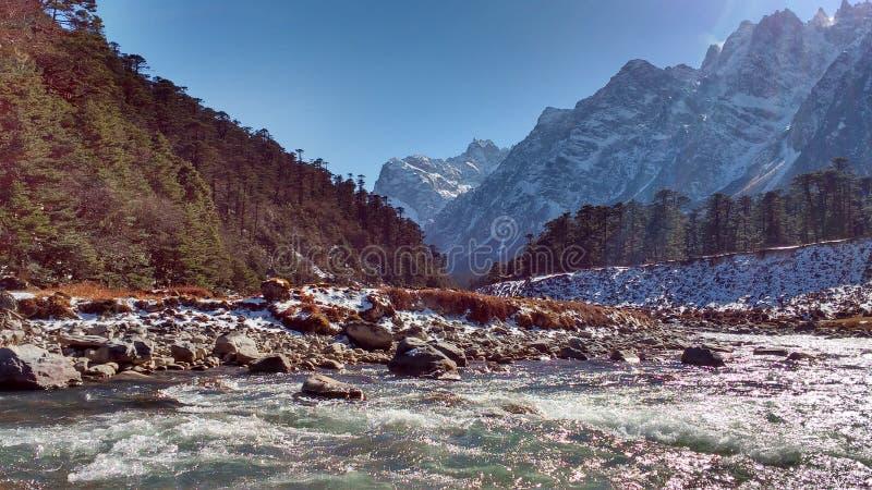 Une vallée au Sikkim images libres de droits