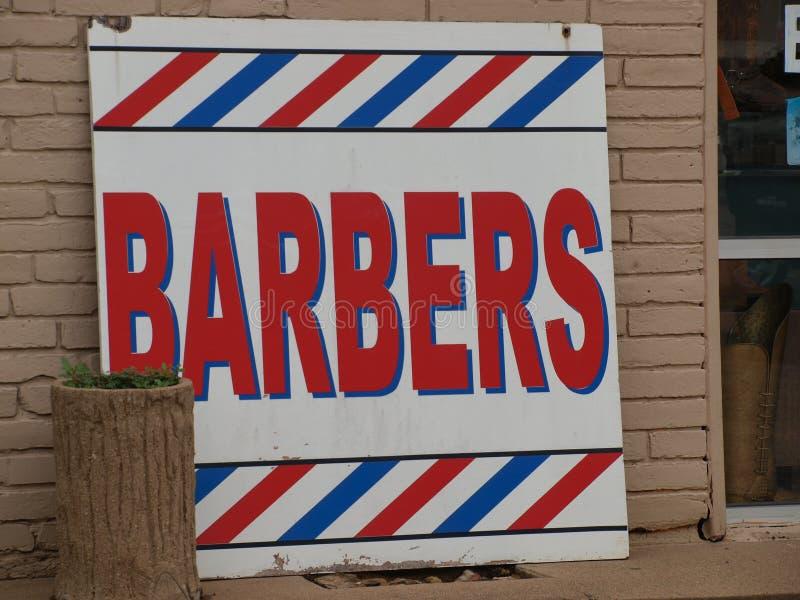 Une version moderne de la vieille amende de Barber Pole Sign Works Just photos libres de droits