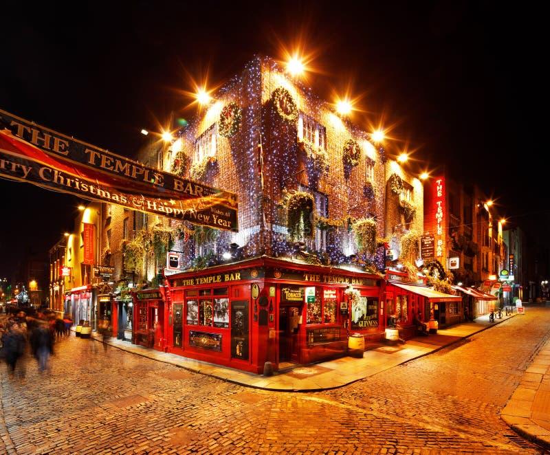 Une vie nocturne occupée de la région de barre de temple de Dublin, Irlande photo stock