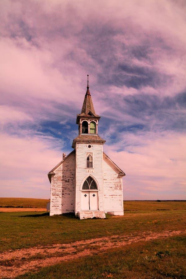 Une vieille église dans le Dakota du Nord image stock