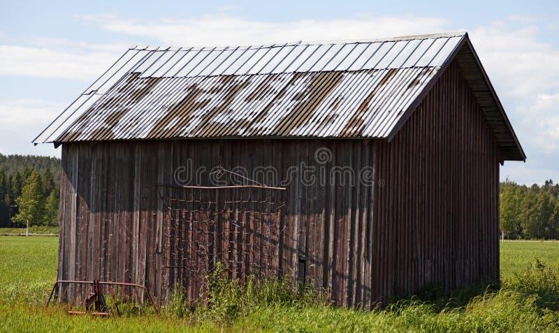 Une vieille grange sur la plaine de Roback photo libre de droits