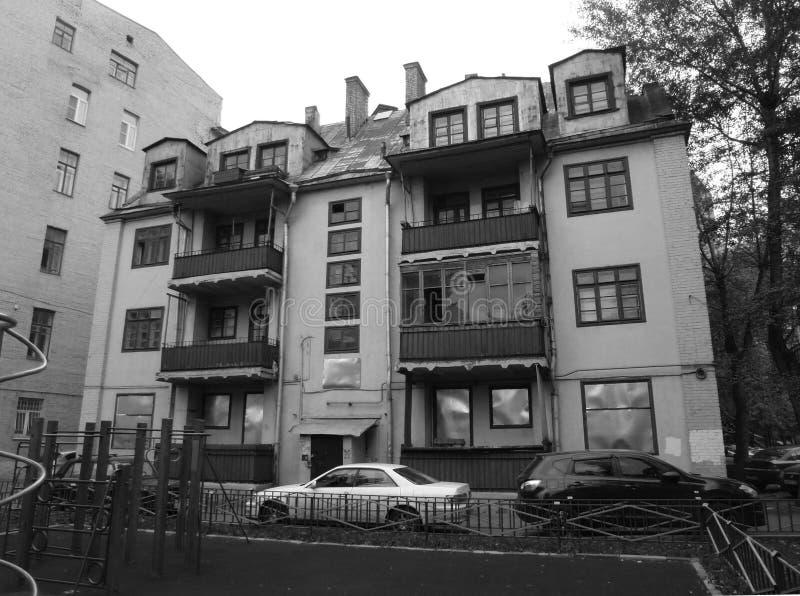 Une vieille maison photos libres de droits