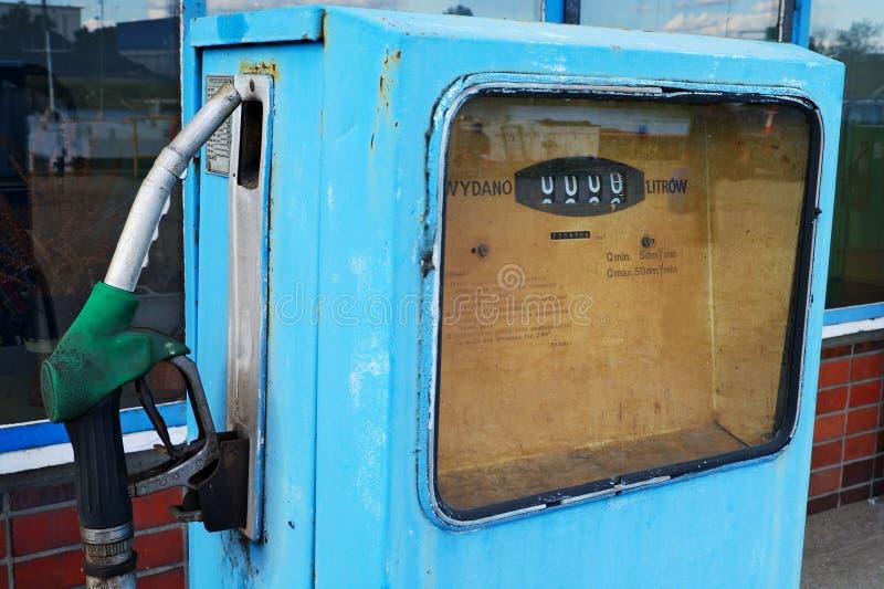 Une vieille pompe à essence image stock