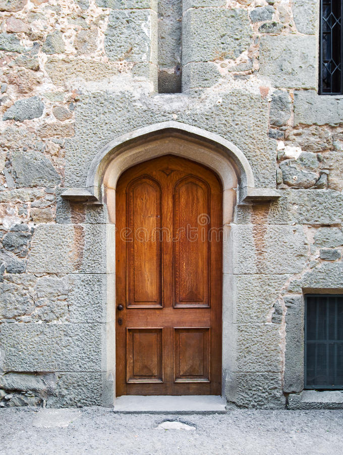Une vieille porte en bois photo stock