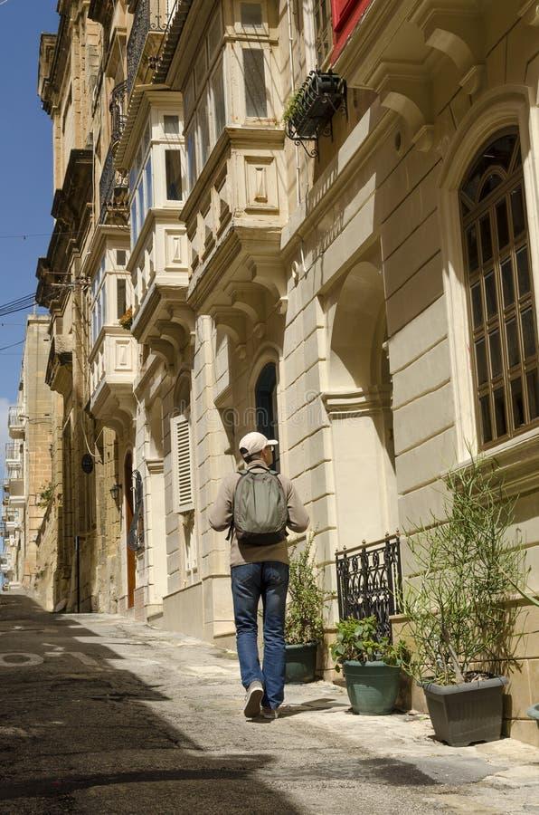 Une vieille ville guidée de touristes, Malte image libre de droits