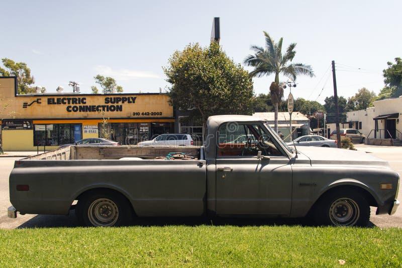 Une voiture classique de vintage dans la rue à Los Angeles, la Californie photographie stock libre de droits