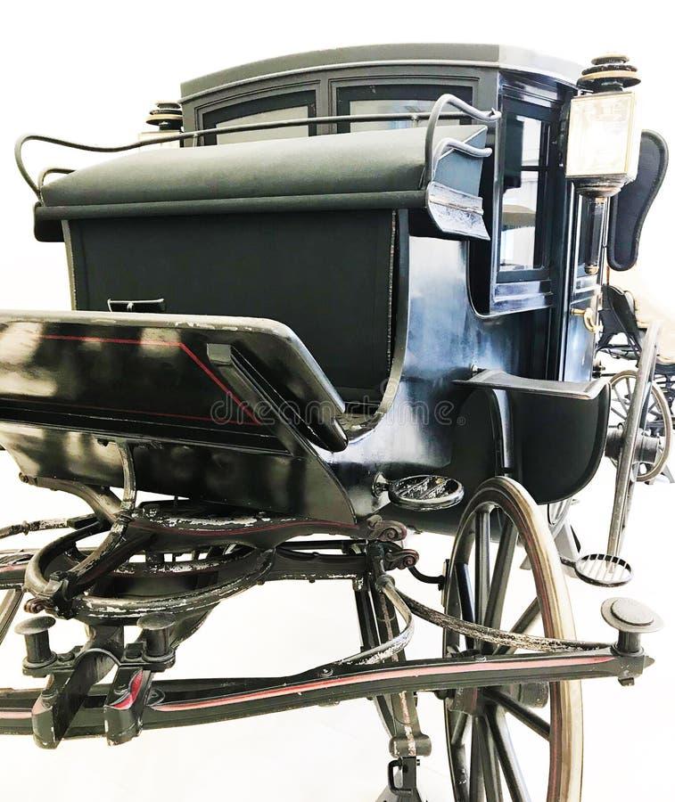 Une voiture noire avec une lampe images libres de droits
