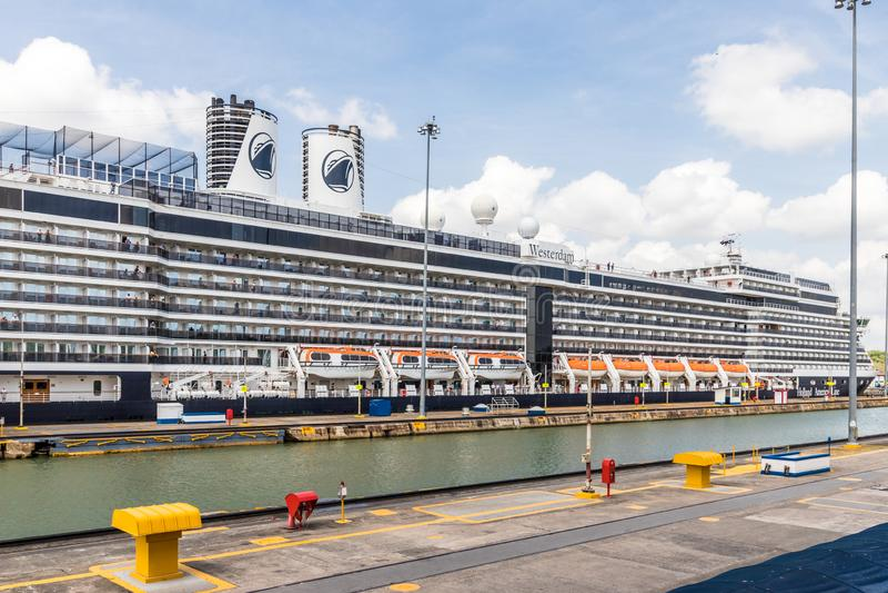 Une vue au canal de Panama photographie stock