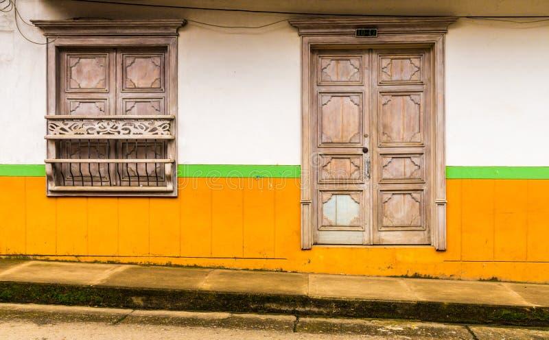 Une vue colorée dans le jardin en Colombie photos libres de droits