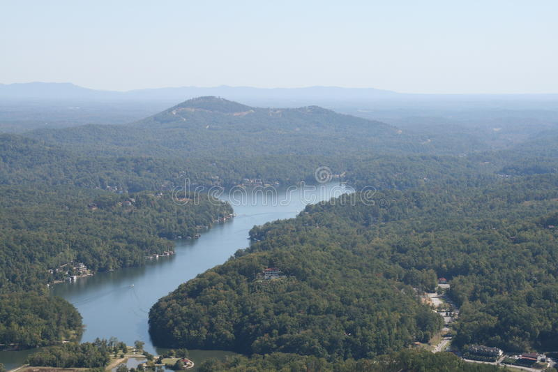 Une vue d'attrait la Caroline du Nord de lac images stock