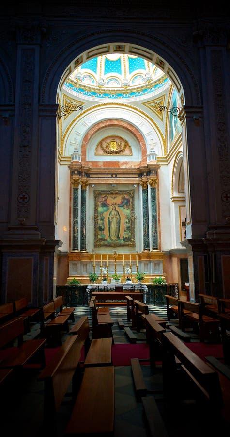 Une vue d'autel à l'intérieur d'église à Valence, Espagne photographie stock