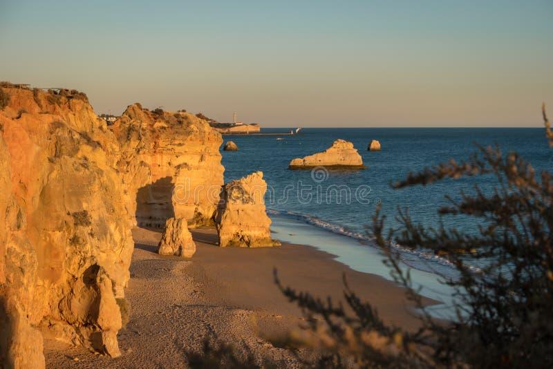 Une vue d'un Praia DA Rocha dans Portimao, région d'Algarve, Portugal photographie stock