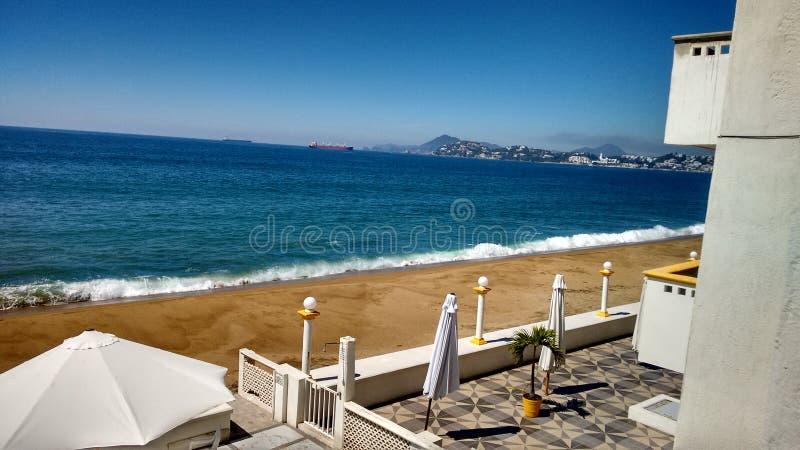 Une vue de la plage de Manzanillo image libre de droits