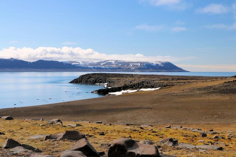 Une vue de la toundra arctique photographie stock libre de droits