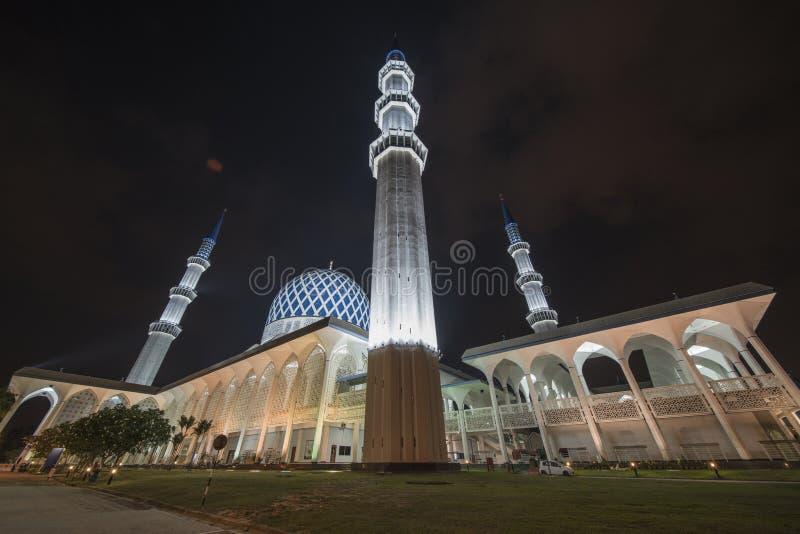 Une vue de nuit à la mosquée bleue, Shah Alam, Malaisie photo libre de droits