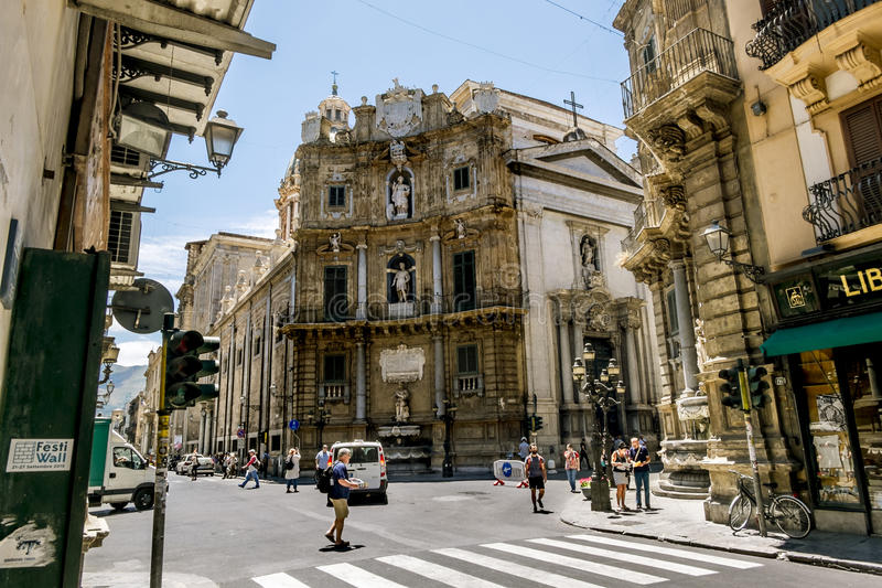 Une vue de Piazza Quattro Canti à Palerme sicily photos libres de droits