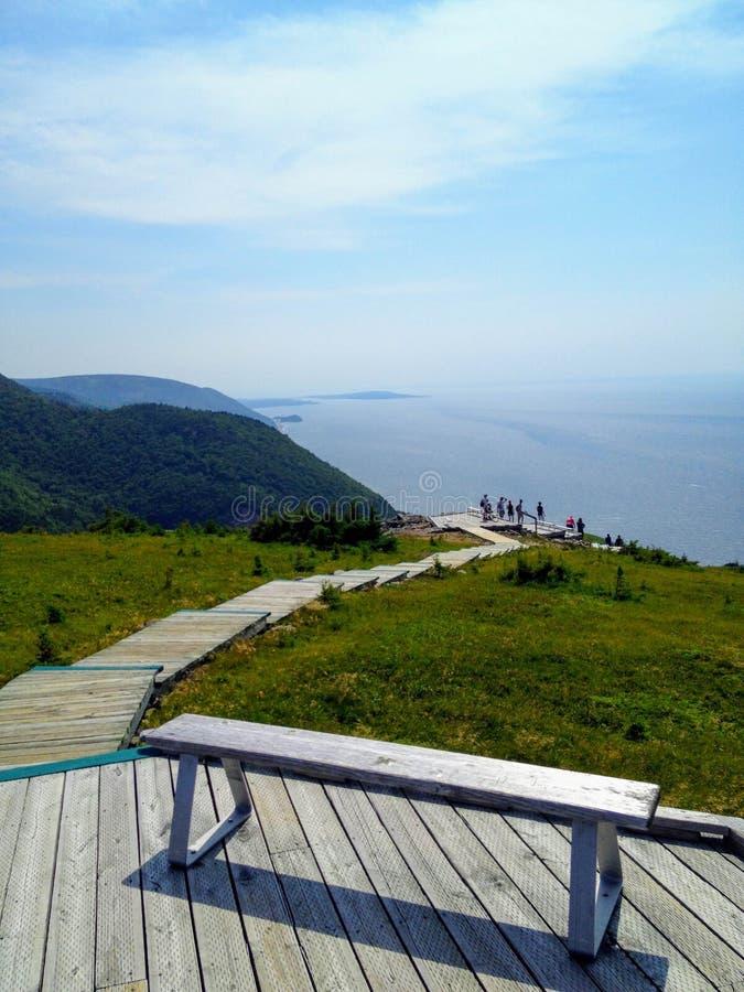 Une vue de traînée d'horizon en belle Île du Cap-Breton, Nova Sc photo stock