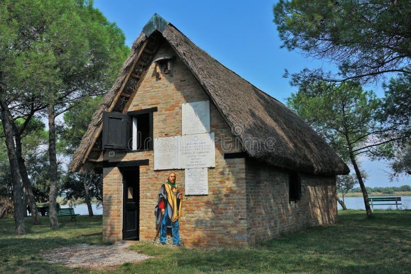 Une vue externe de la hutte de Garibaldi photographie stock