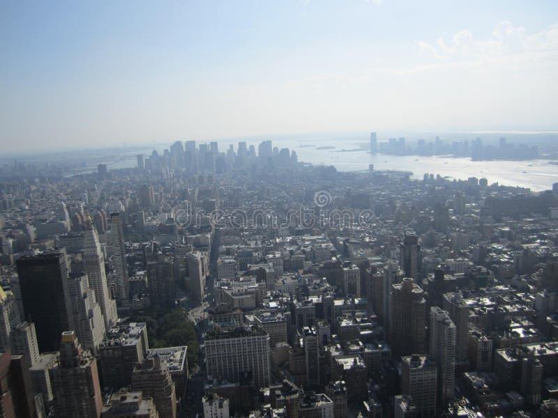 Une vue gentille de l'Empire State Building photographie stock