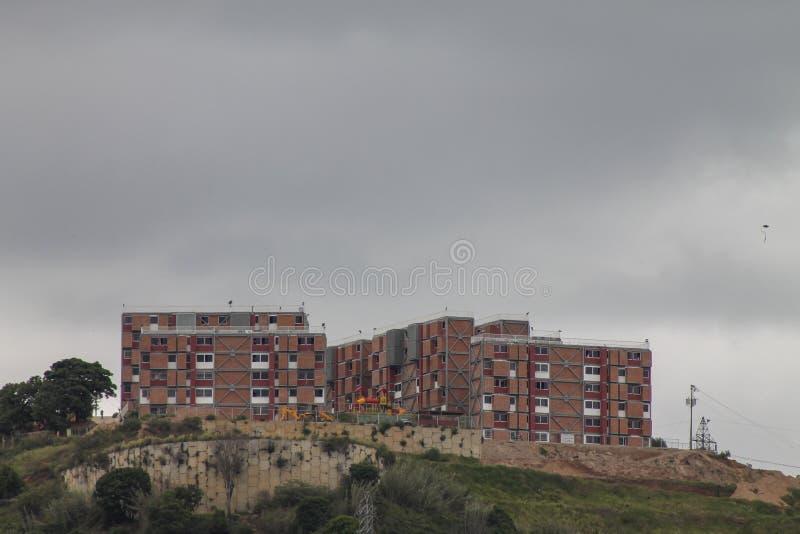 Une vue montre le taudis de l'EL Valle, Venezuela image stock