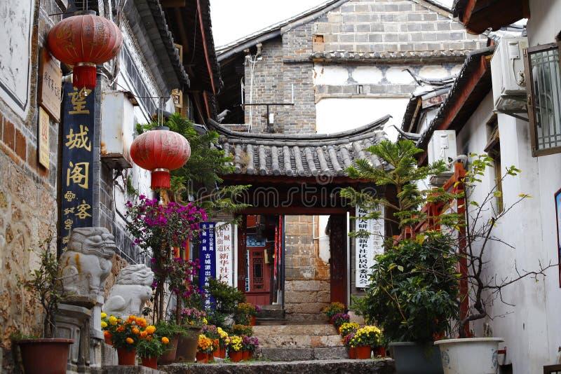 Une vue pittoresque de la ville historique de Lijiang, Yunnan, Chine images libres de droits