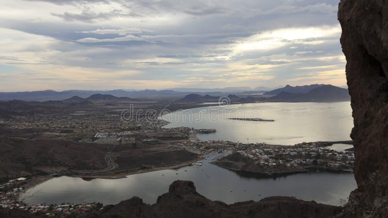 Une vue scénique de crête de Tetakawi de São Carlos, Sonora, Mexique photos libres de droits
