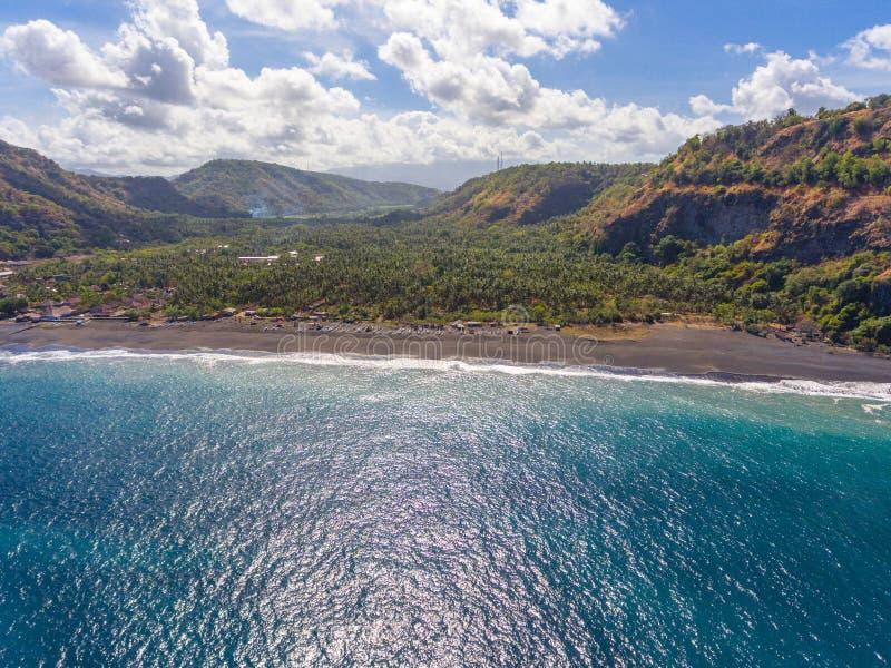 Une vue sur la plage de Pantai sur l'île de Bali, Indonésie photographie stock libre de droits