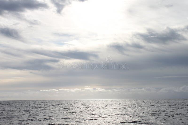 Une vue vers l'horizon de la Mer du Nord photo stock