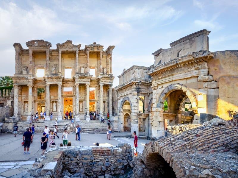 Unesco-de bibliotheekvoorgevel van Celsus van de erfenisplaats in Ephesus, Turkije stock afbeelding