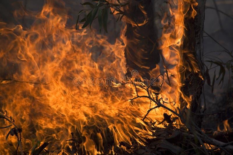 Unfall mit Feuer stockfotos