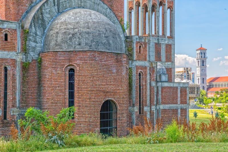 Unfertige orthodoxe Kathedrale in Pristina lizenzfreies stockfoto