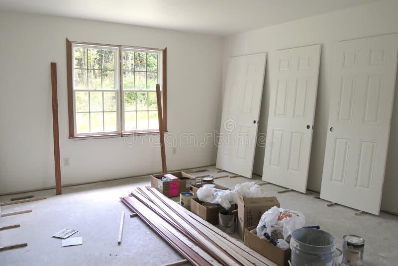 Unfertiges Schlafzimmer stockbild