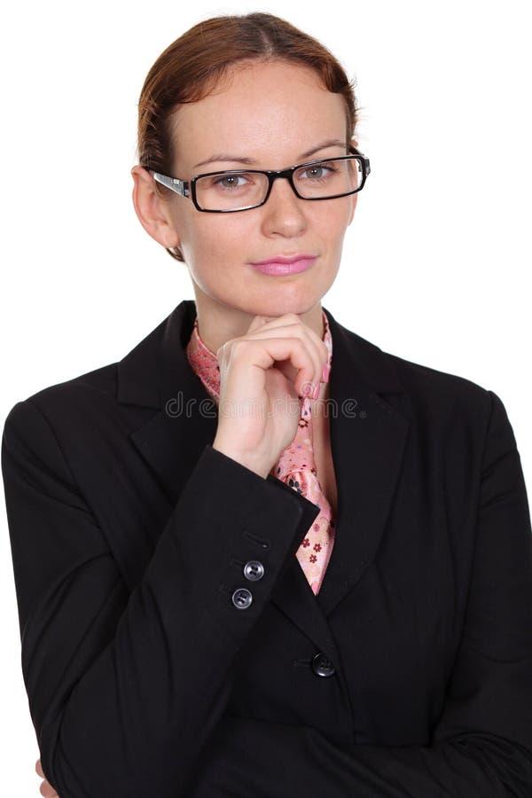 Download Ung affärskvinna arkivfoto. Bild av högbarmad, företags - 37349374