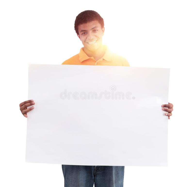 Ung afrikansk man som ler full längdvitbakgrund arkivfoton
