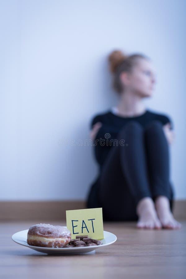 Ung anorektisk flicka royaltyfri fotografi