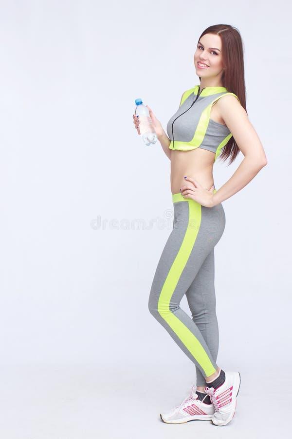 Ung dam i sportswear royaltyfri foto