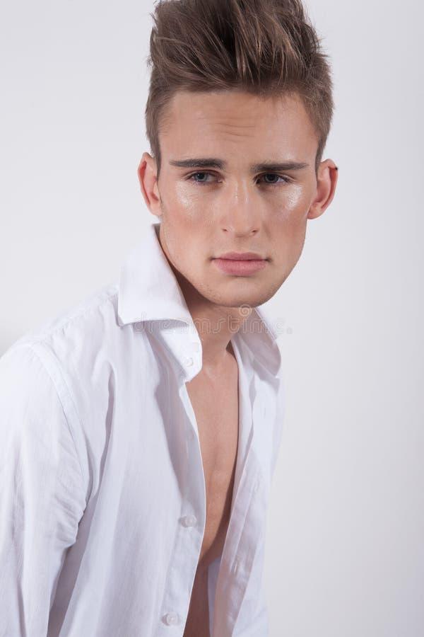 Ung elegant man royaltyfria bilder